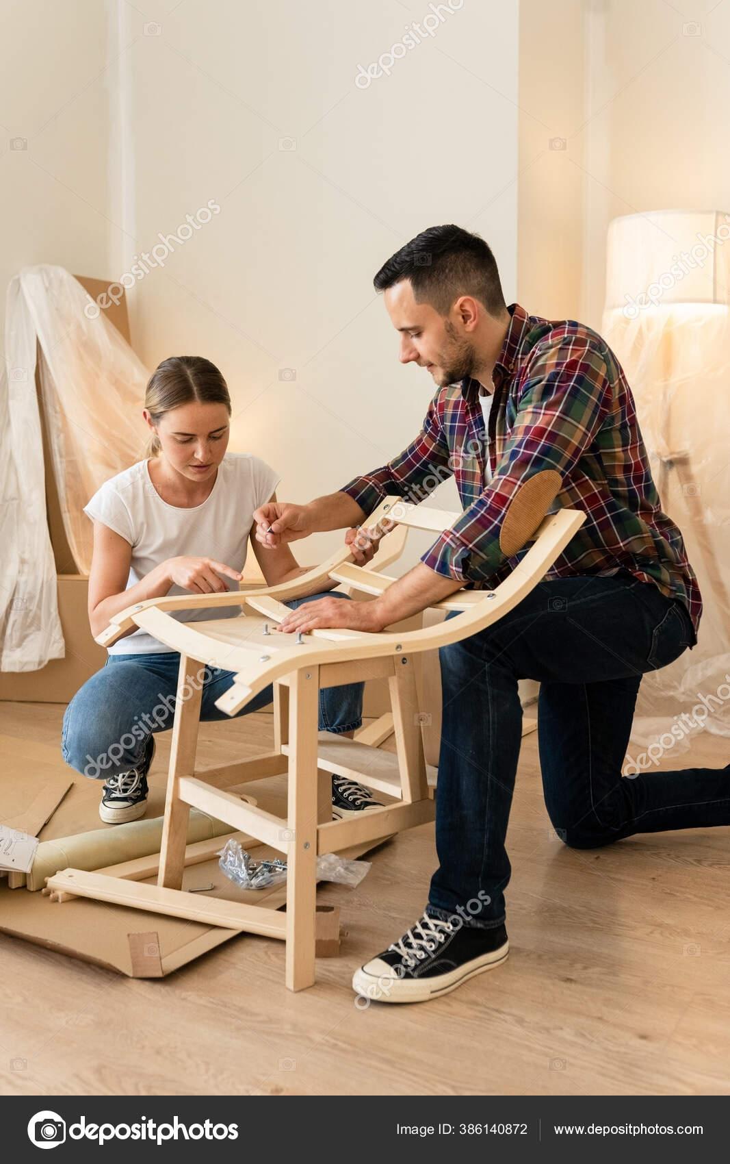 https://st4.depositphotos.com/5970650/38614/i/1600/depositphotos_386140872-stock-photo-happy-smiling-couple-collects-furniture.jpg
