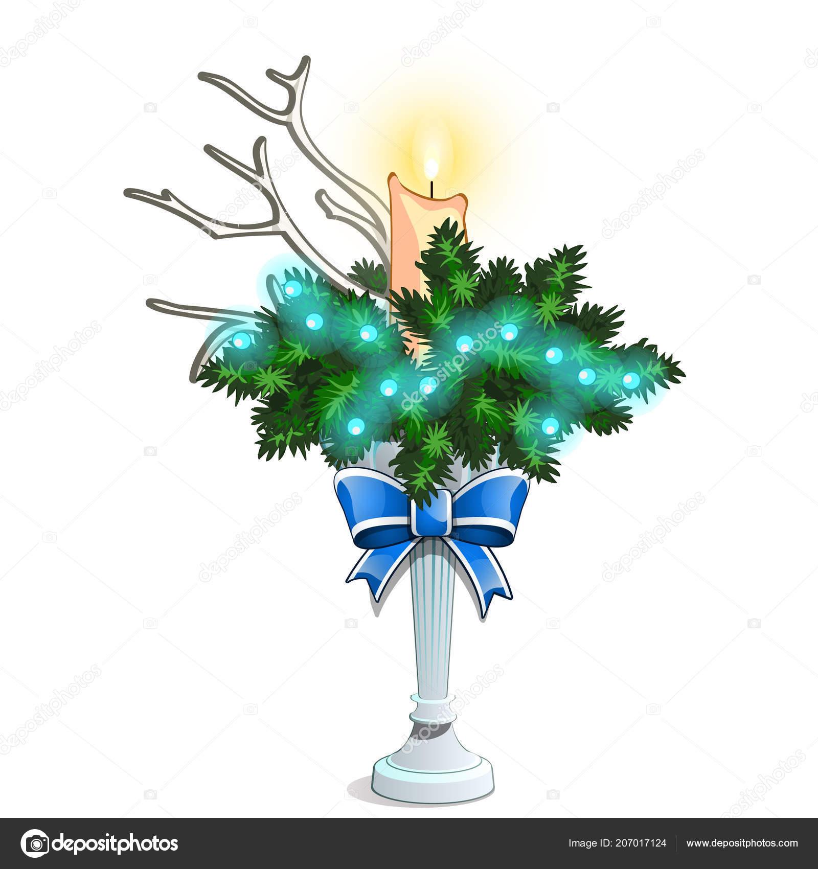 kerst schets met een decoratieve regeling van takken van de spar en de hoorns van het hert met een brandende kaars feestelijke interieur ideen