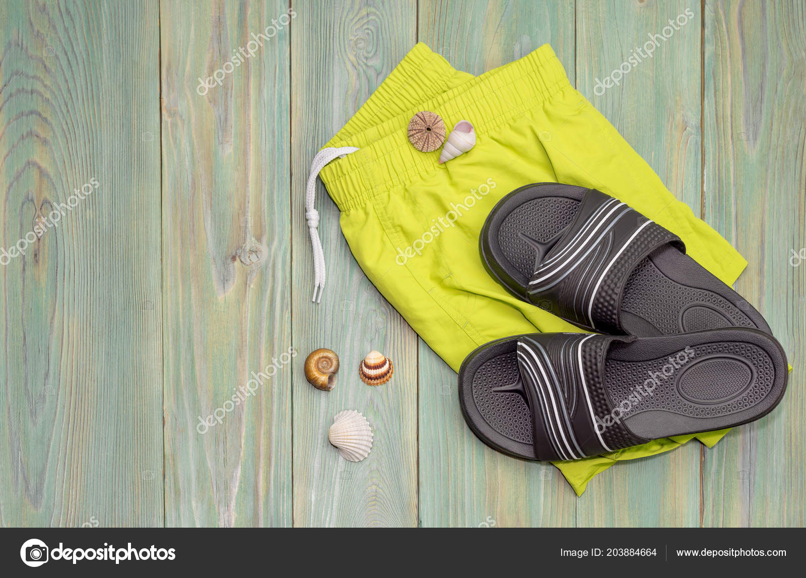 8a07ad3d3 Men Beachwear Slippers Seashells Wooden Background Close — Stock Photo