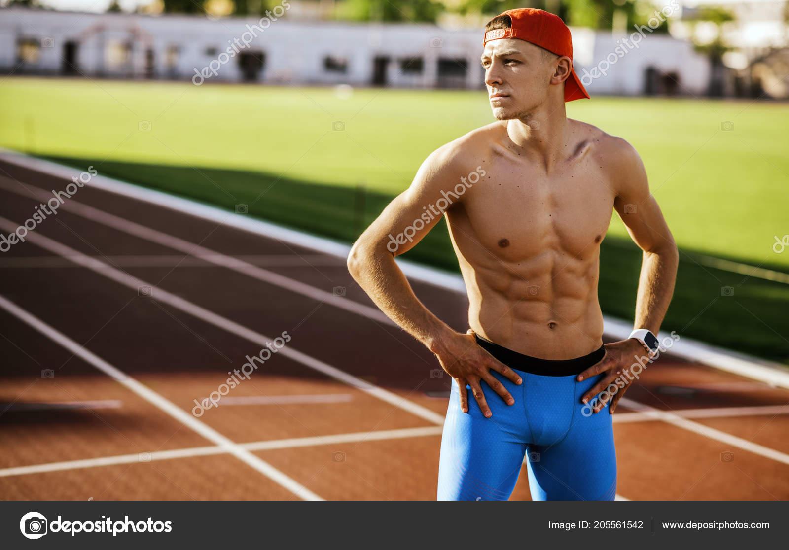 москвы парни атлеты