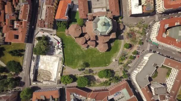 4 k felvételeket a milánói városkép panoráma a nappali, Olaszország