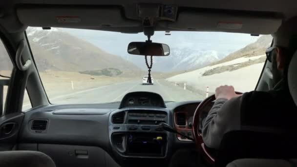 zimní den čas gudauri ski resort road trip pov panorama 4k Gruzie