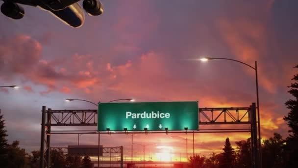 Letadlo přistání Pardubice během nádherný východ slunce
