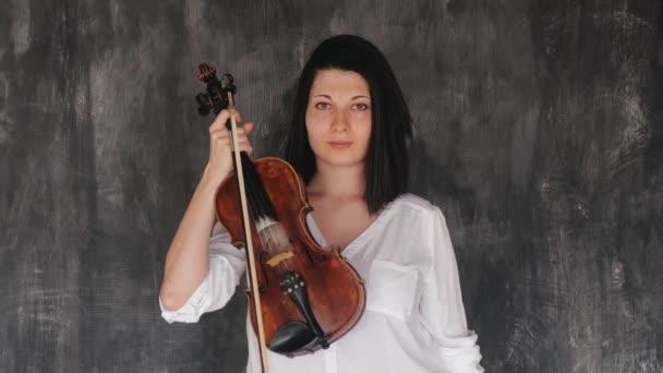 A hegedűművésznő klasszikus muzsikusa
