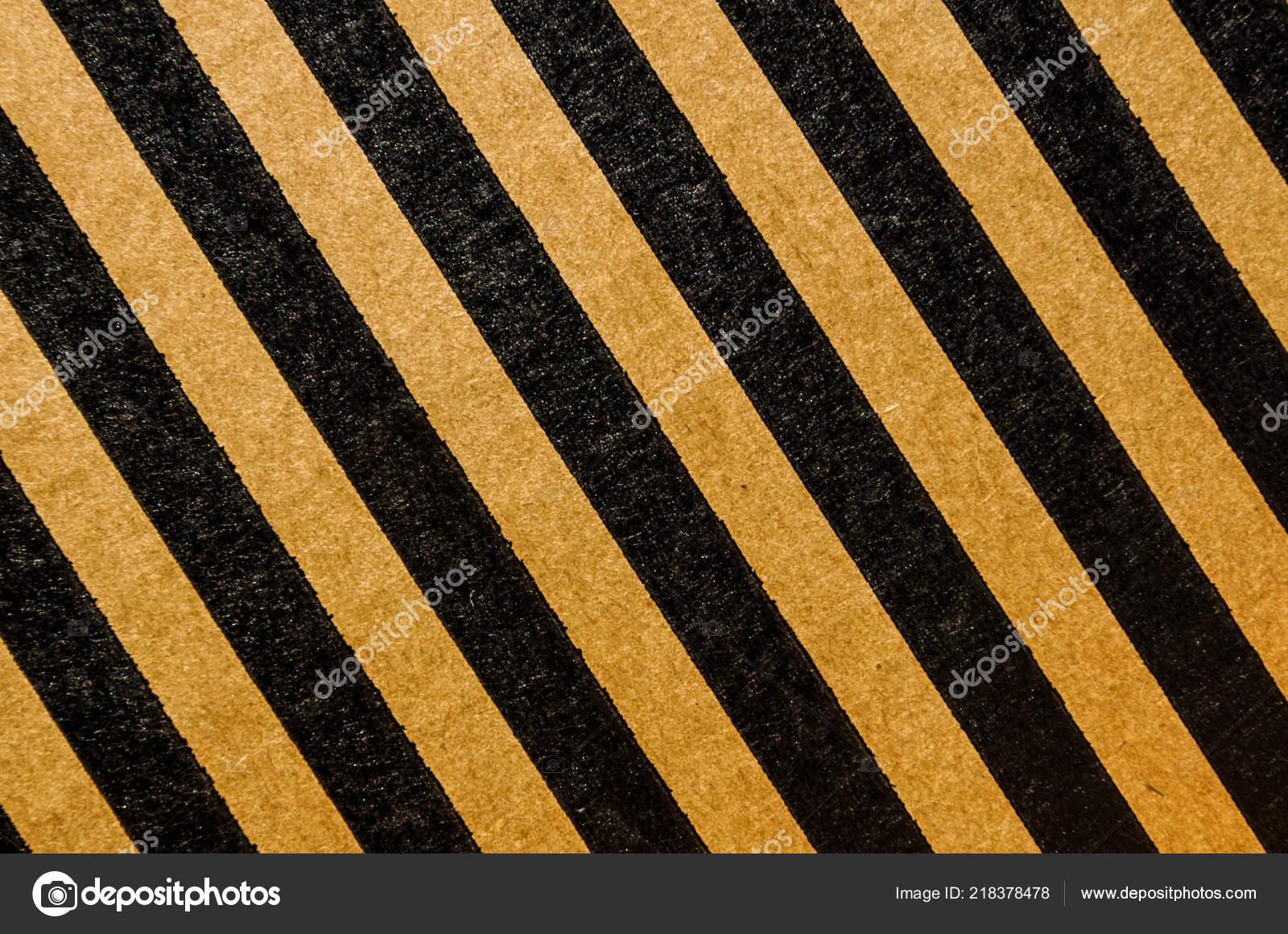 Jaune et noir tapis rayé en diagonale. Utilisation pour le fond et ...
