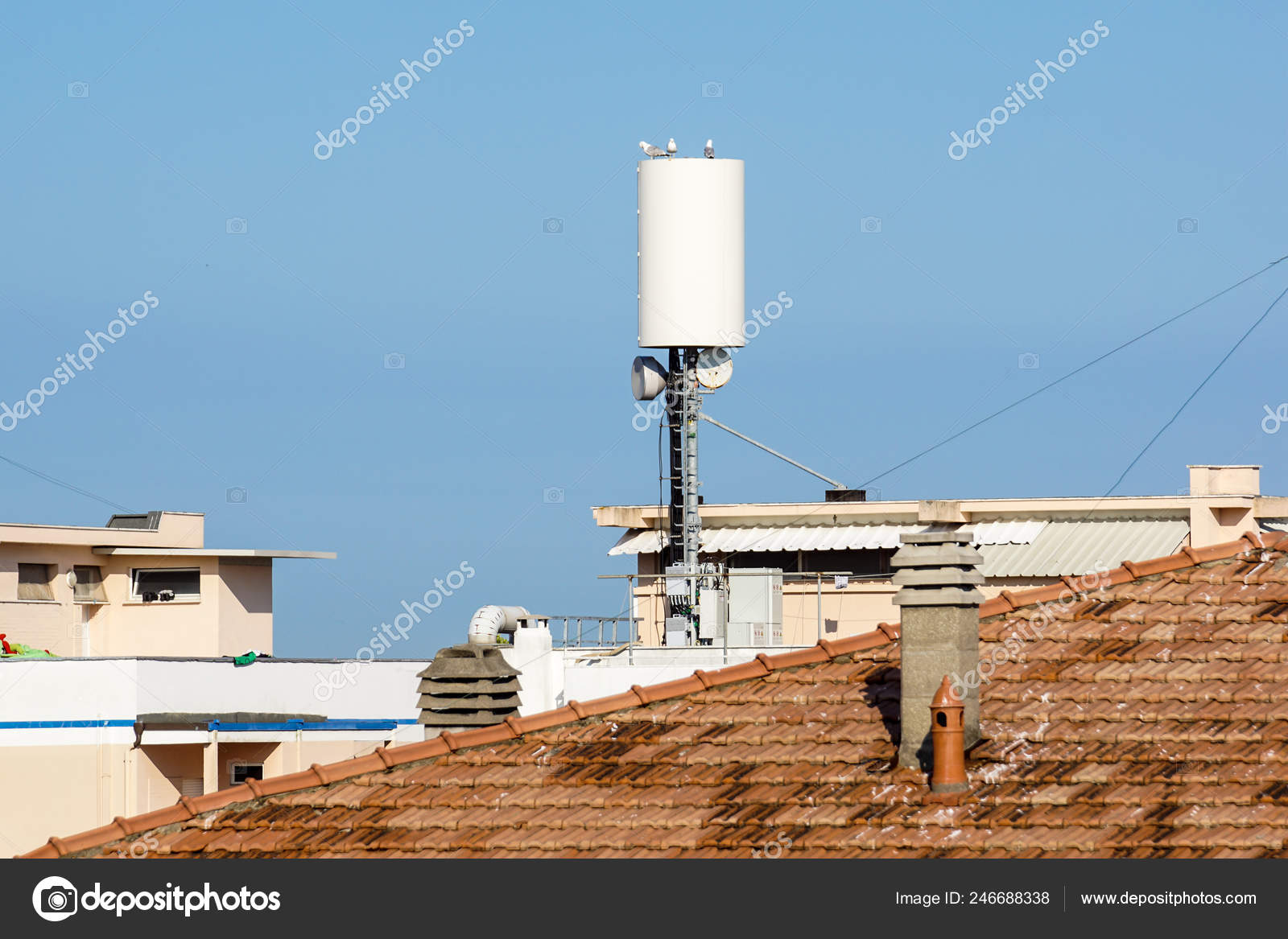Mobile telephone radio network antennas on the building roof