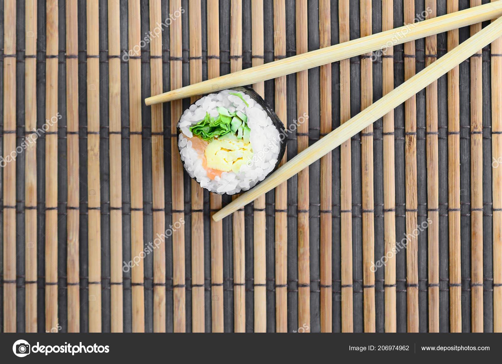 Sushi Roll Wooden Chopsticks Lie Bamboo Straw Serwing Mat