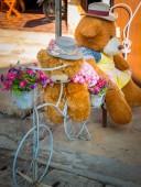 Fotografie Teddybären sind Radfahrer nahm seinen Freund mit in den Urlaub.