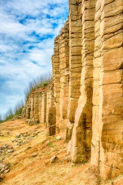 The factor of columnar Joint in Basalt in Penghu National Scenic Area
