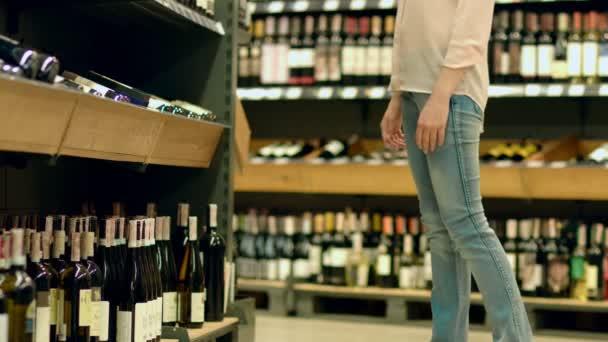 Sommelier vybere své oblíbené víno