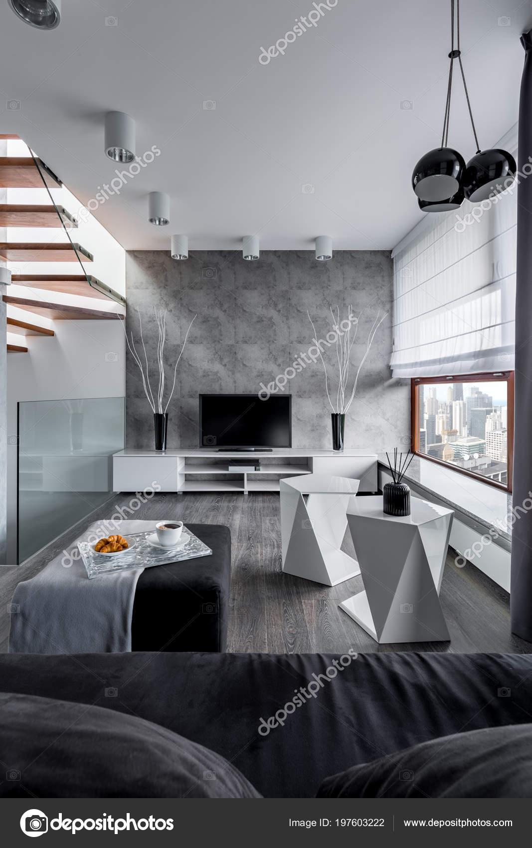 Wohnzimmer Mit Betonmauer Und Moderne Pendelleuchte — Stockfoto ...