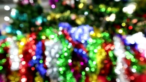 šmouha, přemístění vánočního stromku 4