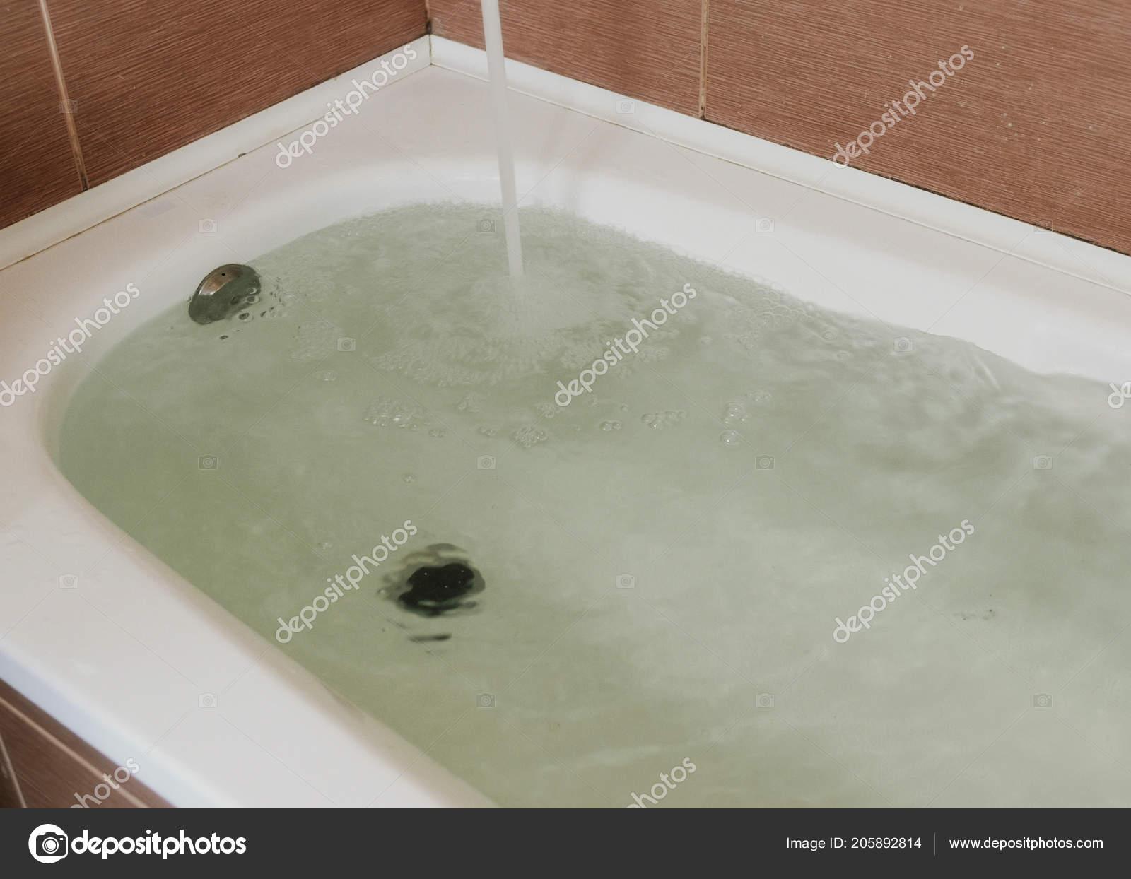 Piastrelle bagno stock best luce bagno con piastrelle blu e grigi