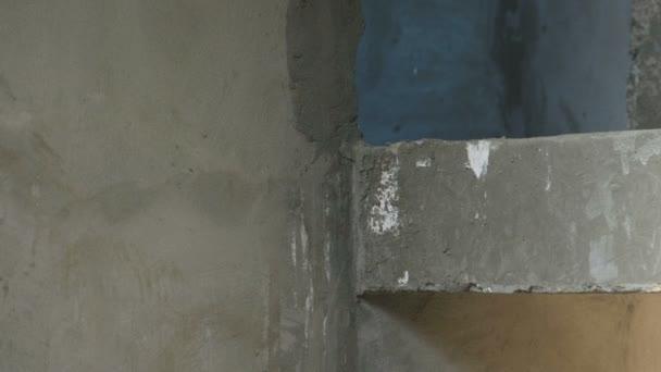 Překrývání mezi prvním a druhém patře, na staveništi. Stavba domu.