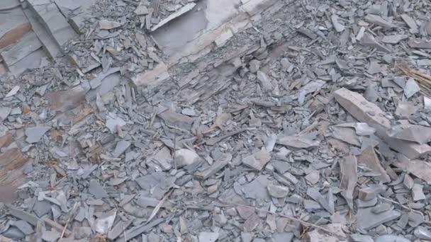 Detailní pohled na Rock. Šedé a žluté rock textury, zničených útesu