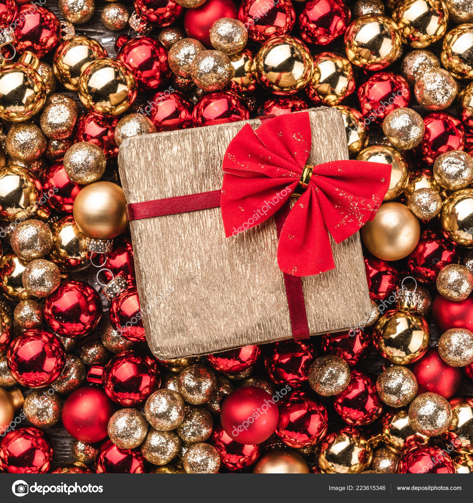 depositphotos 223615346 stock photo christmas card wallpaper red gold