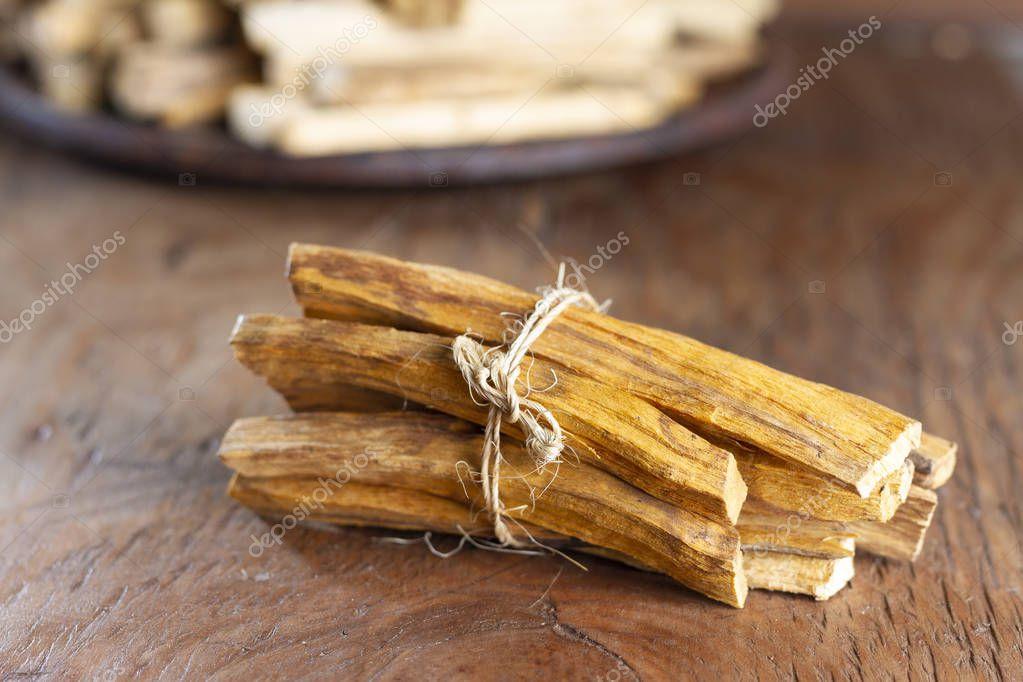 Bursera graveolens, essence and resin. in Spanish (