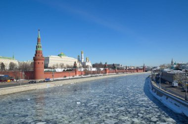 View of the Moscow Kremlin, Kremlin and Sofiyskaya embankments on a Sunny spring day, Moscow, Russia