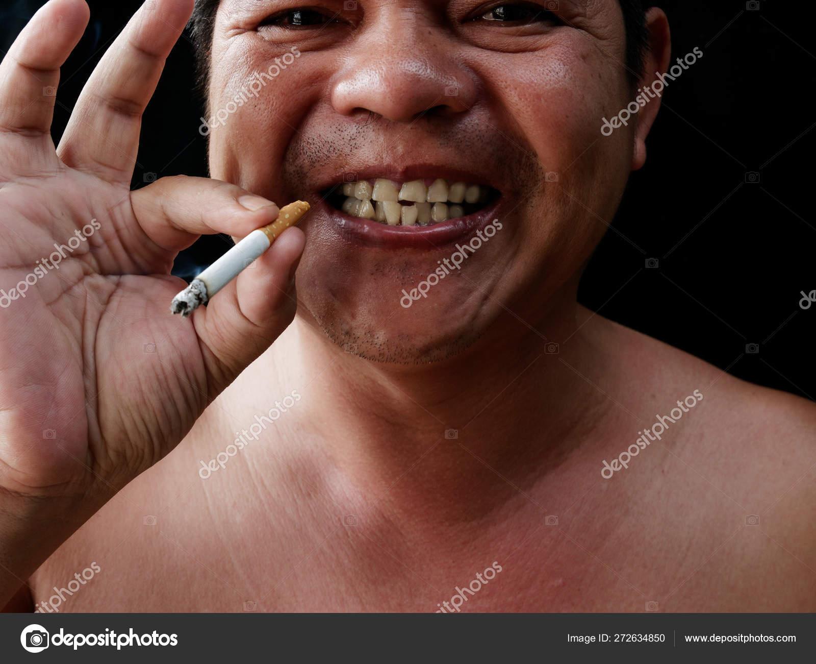 фото толстый мужик с сигаретой фото природа, свежий