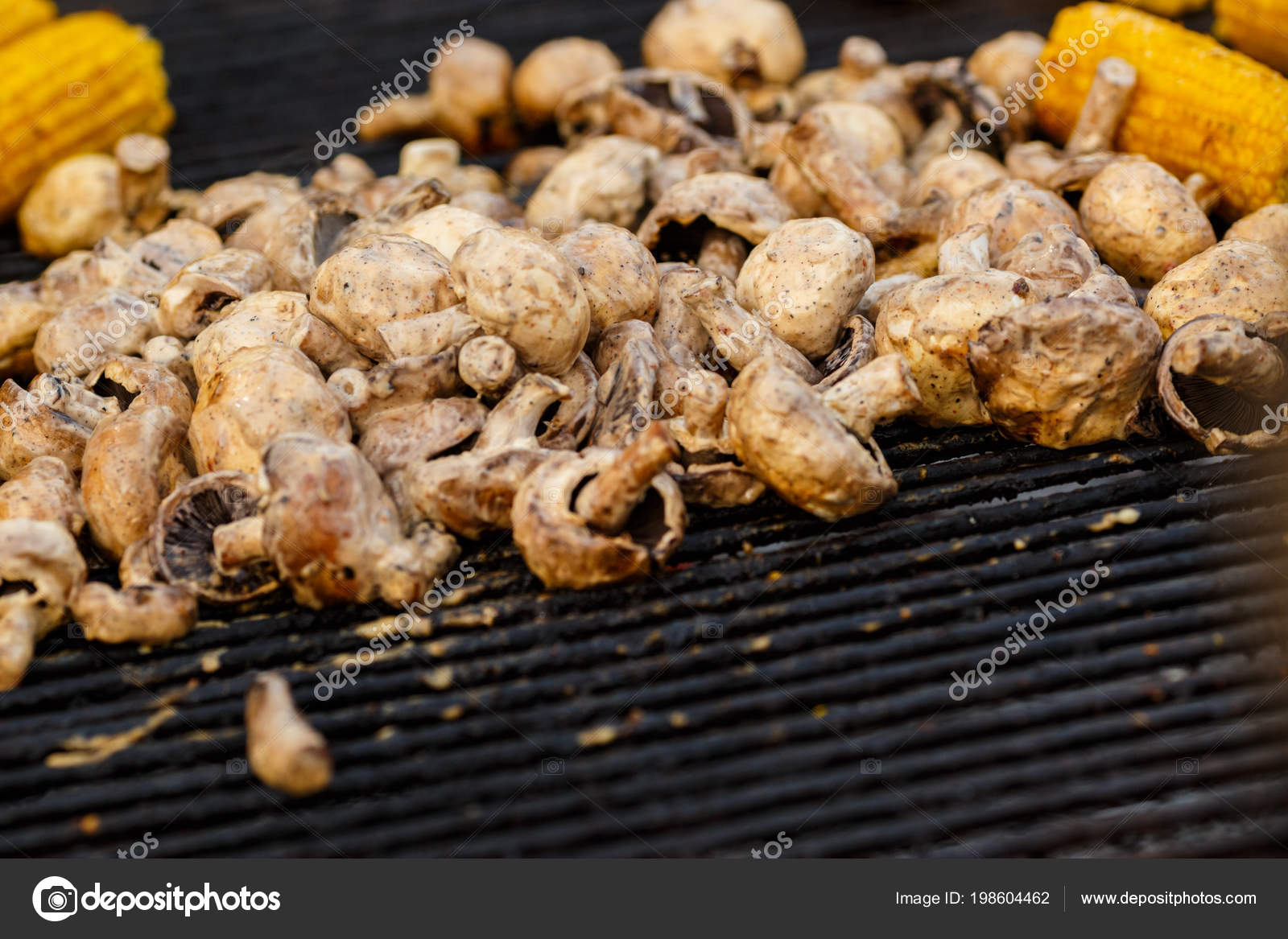 7a80511fcb7a Champignon White Mushrooms Grilled Grill Bbq Steam Cooking Mushrooms Grill  — Stock Photo