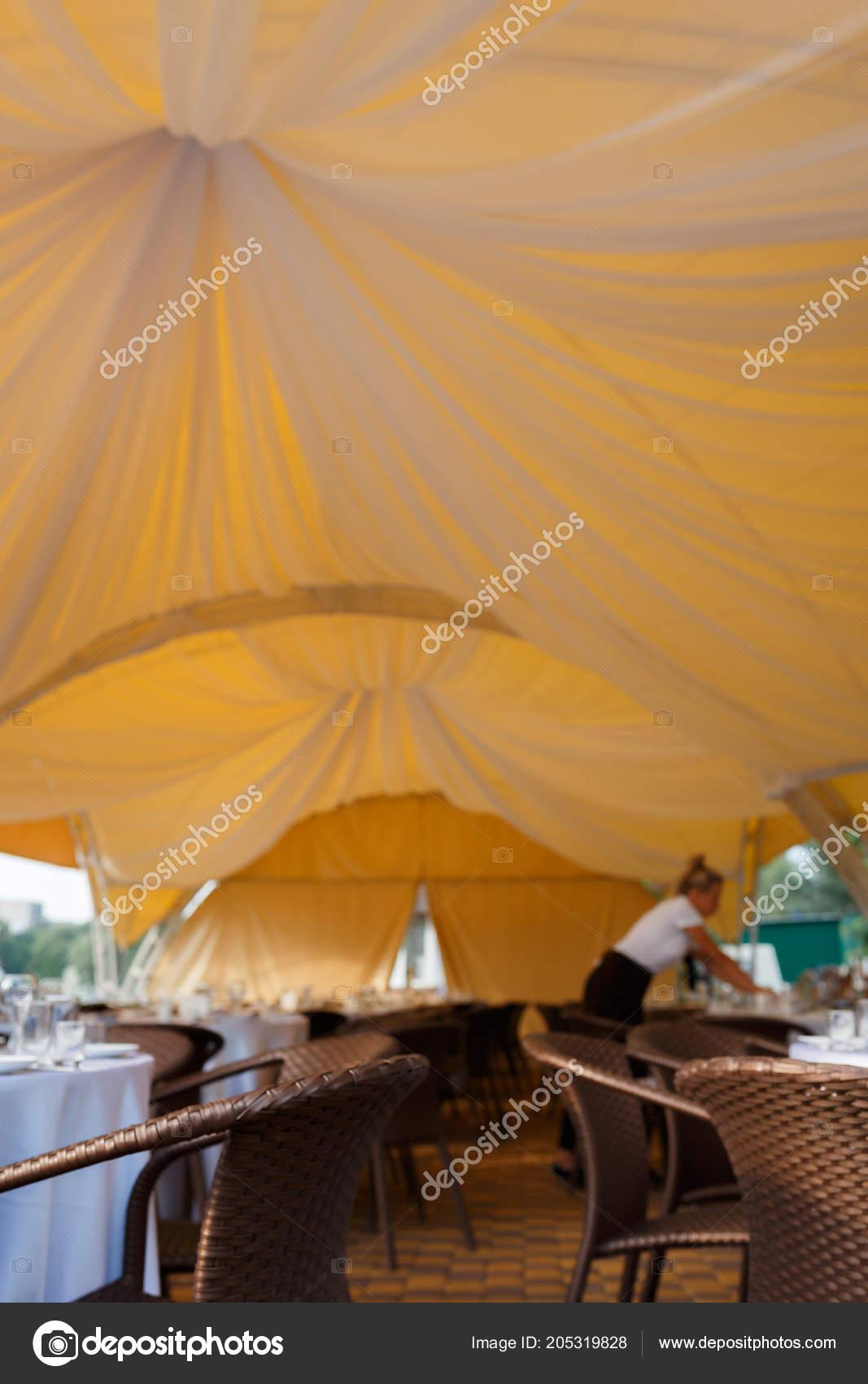 Hochzeit Im Freien Empfang Im Zelt Stockfoto C Y Parfyonova Yandex