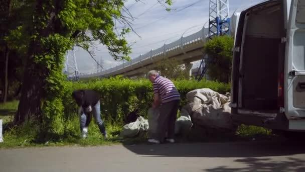 mobile receiving point of waste recycling. environmental movement RAZdelniy sbor