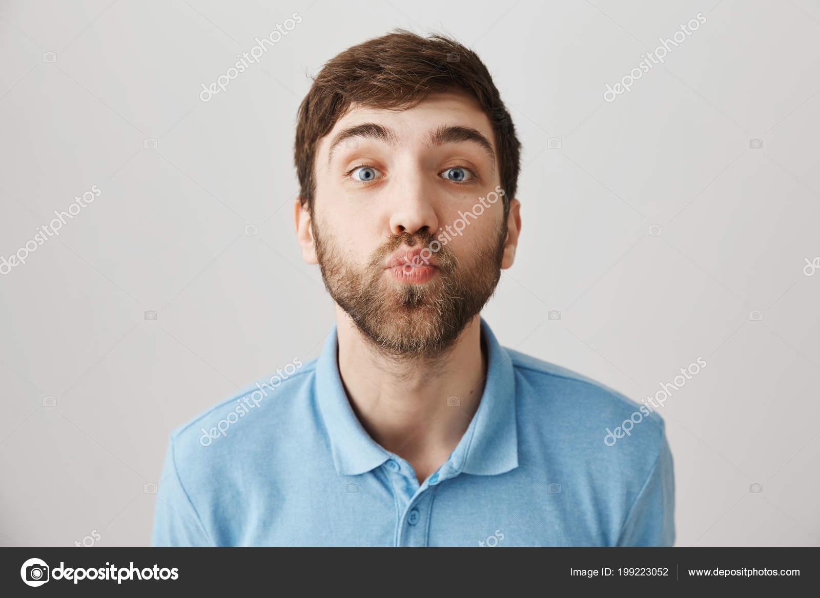 Mann Kann Aus Kuss Seiner Geliebten Nicht Widerstehen Porträt Von