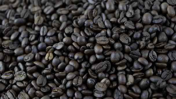 Kaffeebohnen in der Produktion, Kaffeebohnen-Röstung, Kaffeebohnen aus nächster Nähe