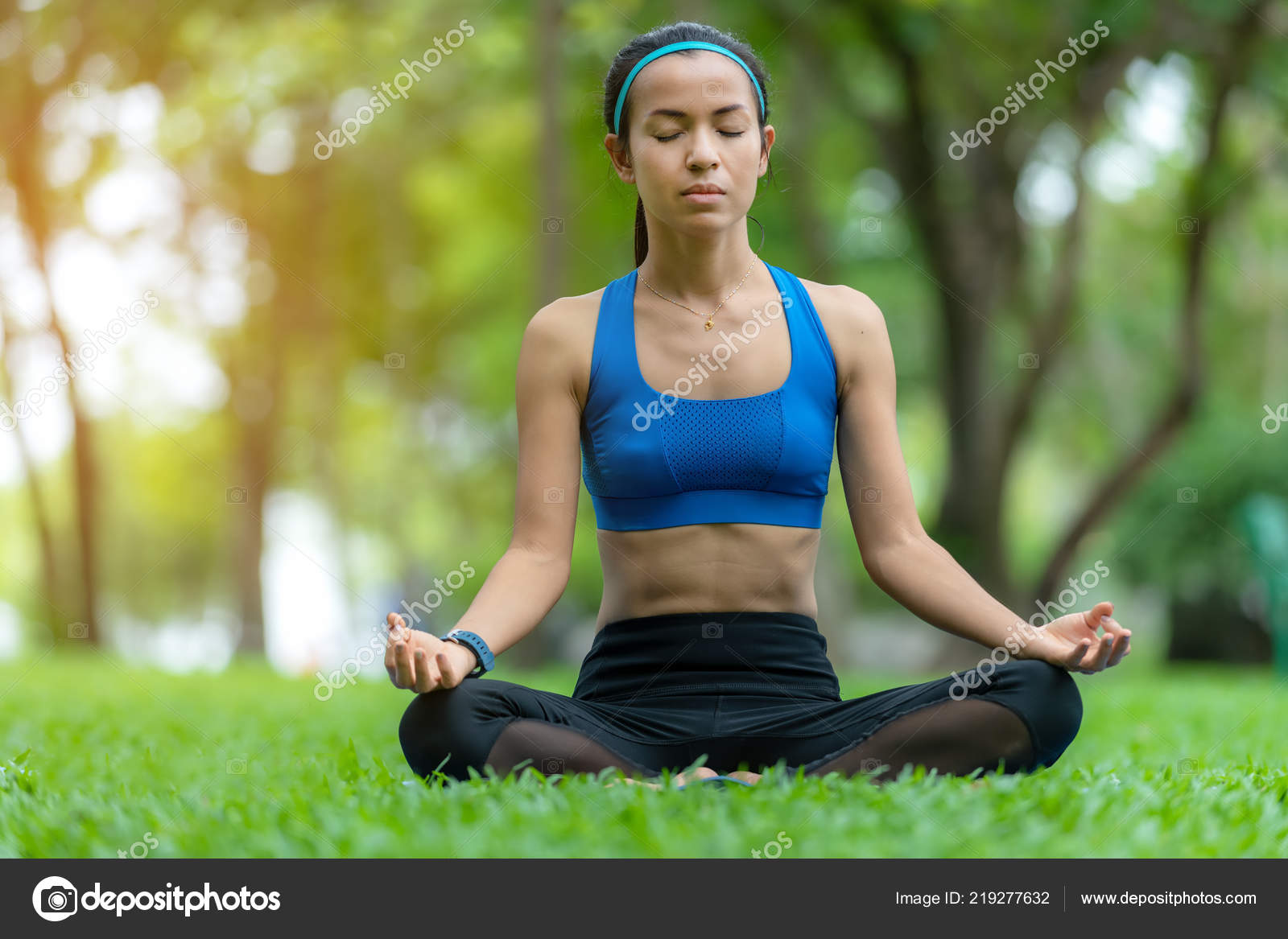 Pictures Mind Relaxing Healthy Lifestyle Meditation Mind Yoga Woman Relax Vital Energy Park Stock Photo C Freebird7977 219277632