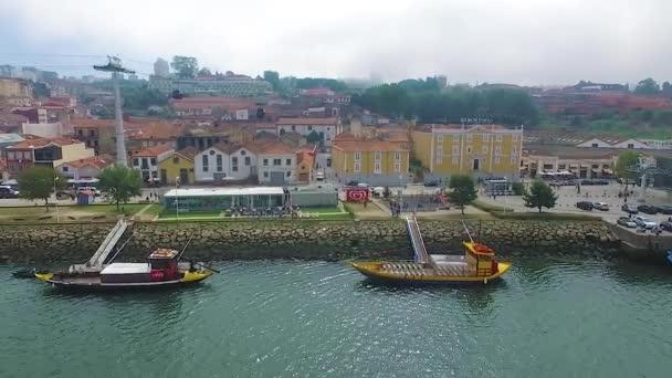 2016 09 Porto, Portugal: One flew over the Douro river and boat