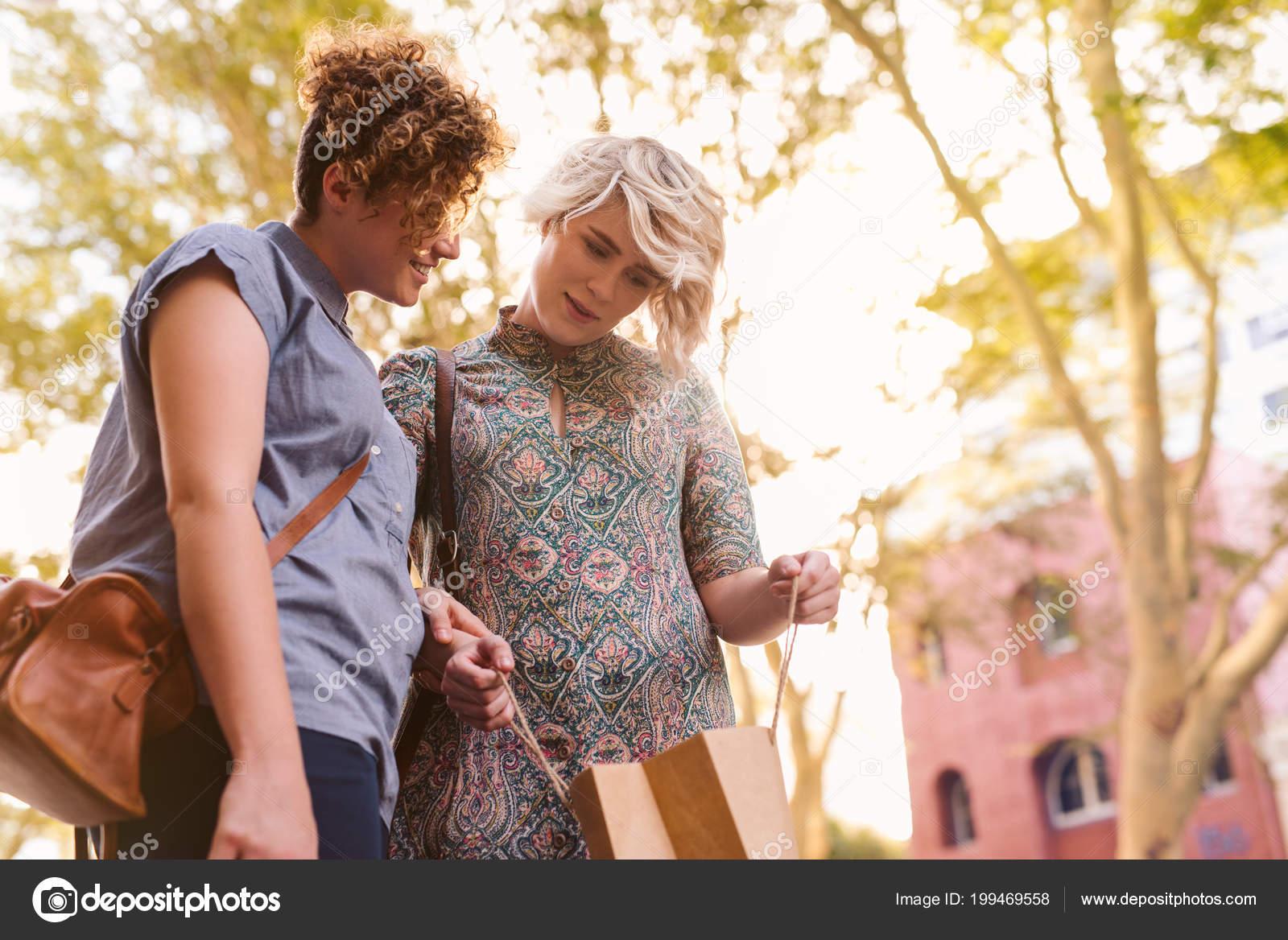λεσβιακό dating... καλές φωτογραφίες γνωριμιών