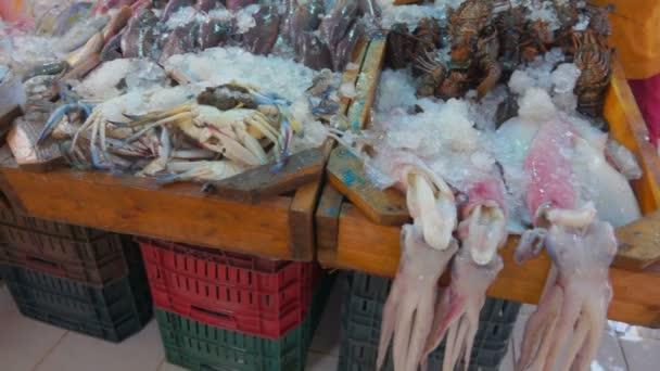 Oliheň, krab, humr a nejrůznějších druhů ryb