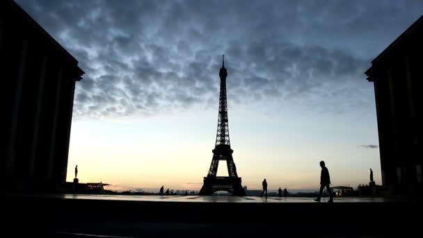 Pohled na Eiffelovu věž z Trocaderova náměstí