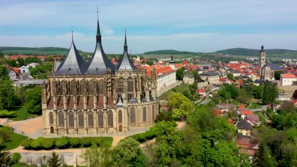 Pohled na Kutnou Horu s kostelem sv. Barbory, který je památkou světového dědictví UNESCO, Česká republika. Historické centrum Kutné Hory, Česká republika, Evropa.