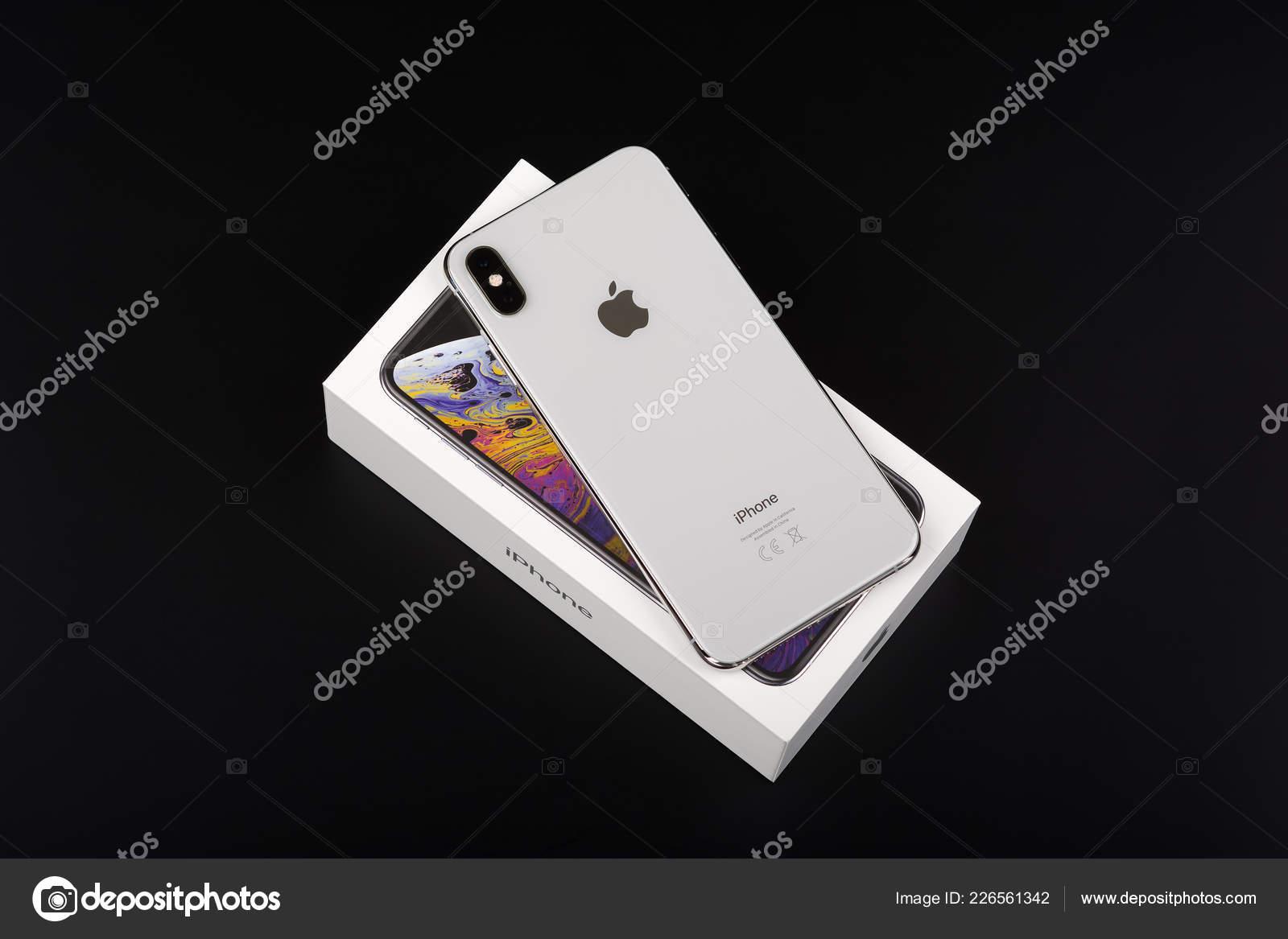 Burgas Bulgaria November 2018 Apple Iphone Max Silver Black