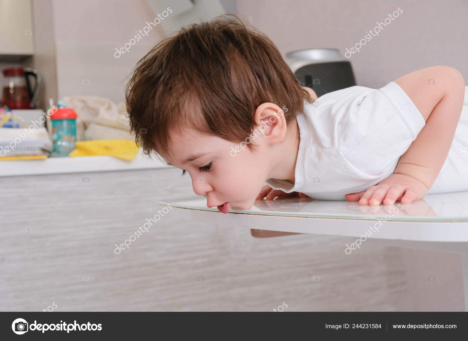 de96fa33b Surprised Kid Sitting Table Child Eyes Widened Mouth Opened ...