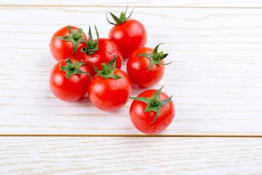 Bunch of red ripe tasty fresh naturel cherry tomatos