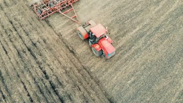 Szántóföldi berendezés termesztik a földön egy hatalmas területen, felülnézet.