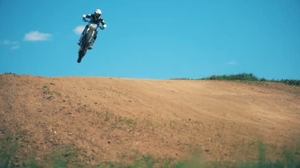 Zpomalený pohyb, skákání trik Fmx závodníka