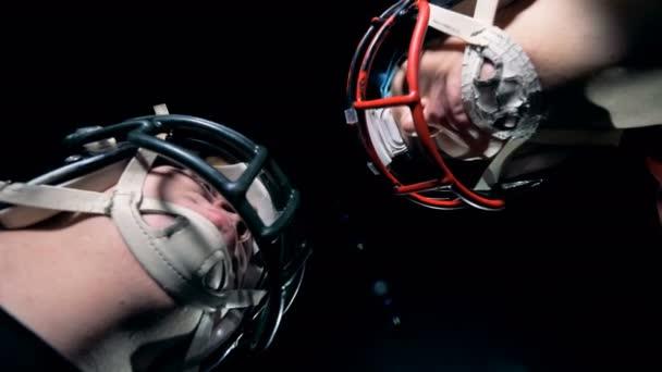 Profesionální sportovci na hlavu, Spodní pohled.