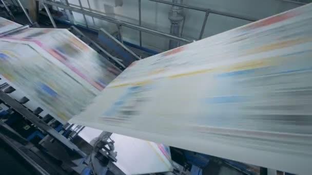 Pracovní dopravníku v kanceláři tisk zblízka.