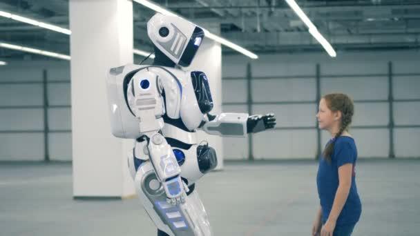 Jsem dobrý gesto holčičku a robotické humanoid