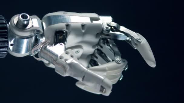 Kovové protézy ohýbání prstů, bionic produkce.