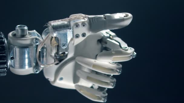 Bionikus odaad mozog a hüvelykujj, a kibernetikus produstion.