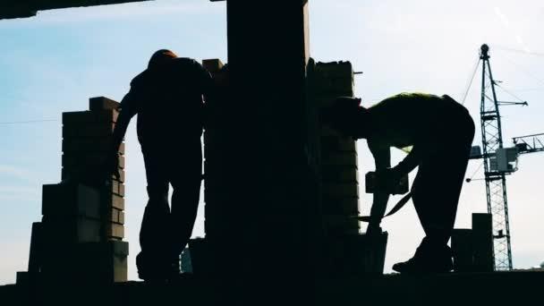 Épület fal egyre megépíteni két háttérvilágítással mérnökök