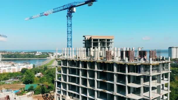 Horní patro budovy ve výstavbě