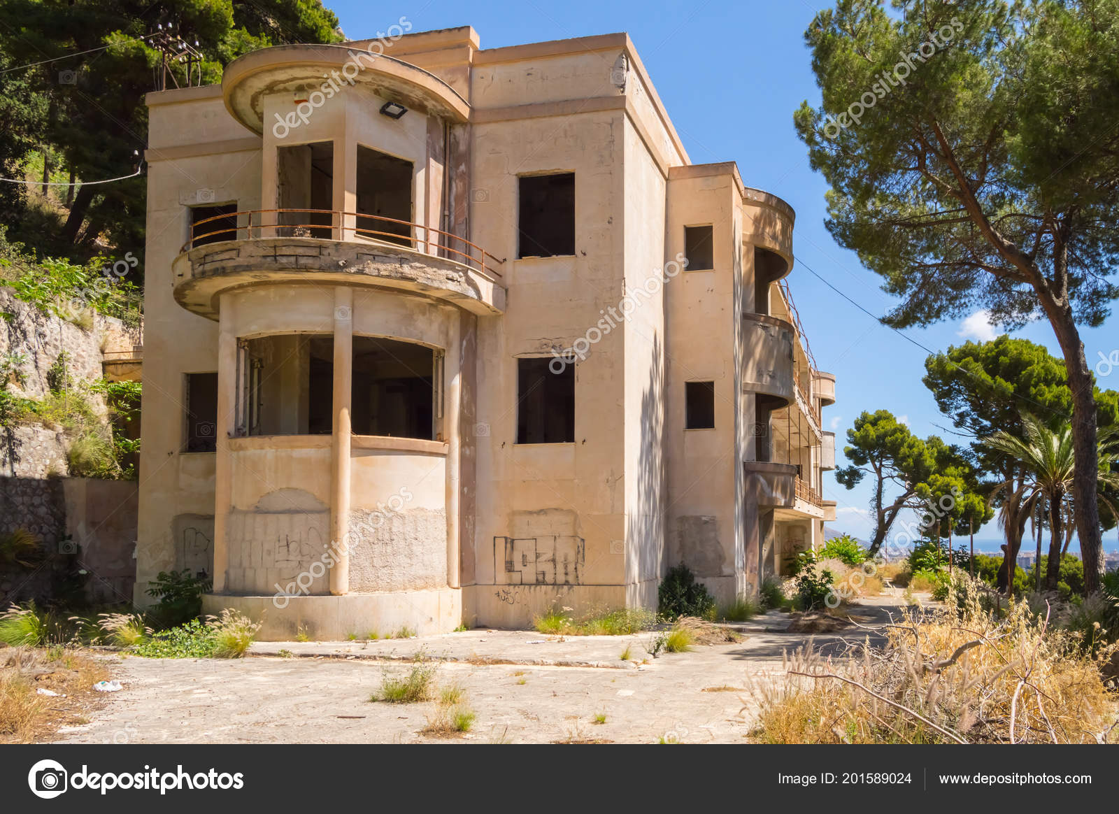 Small Abandoned Hotel Heights Palermo Northwestern Sicily ...