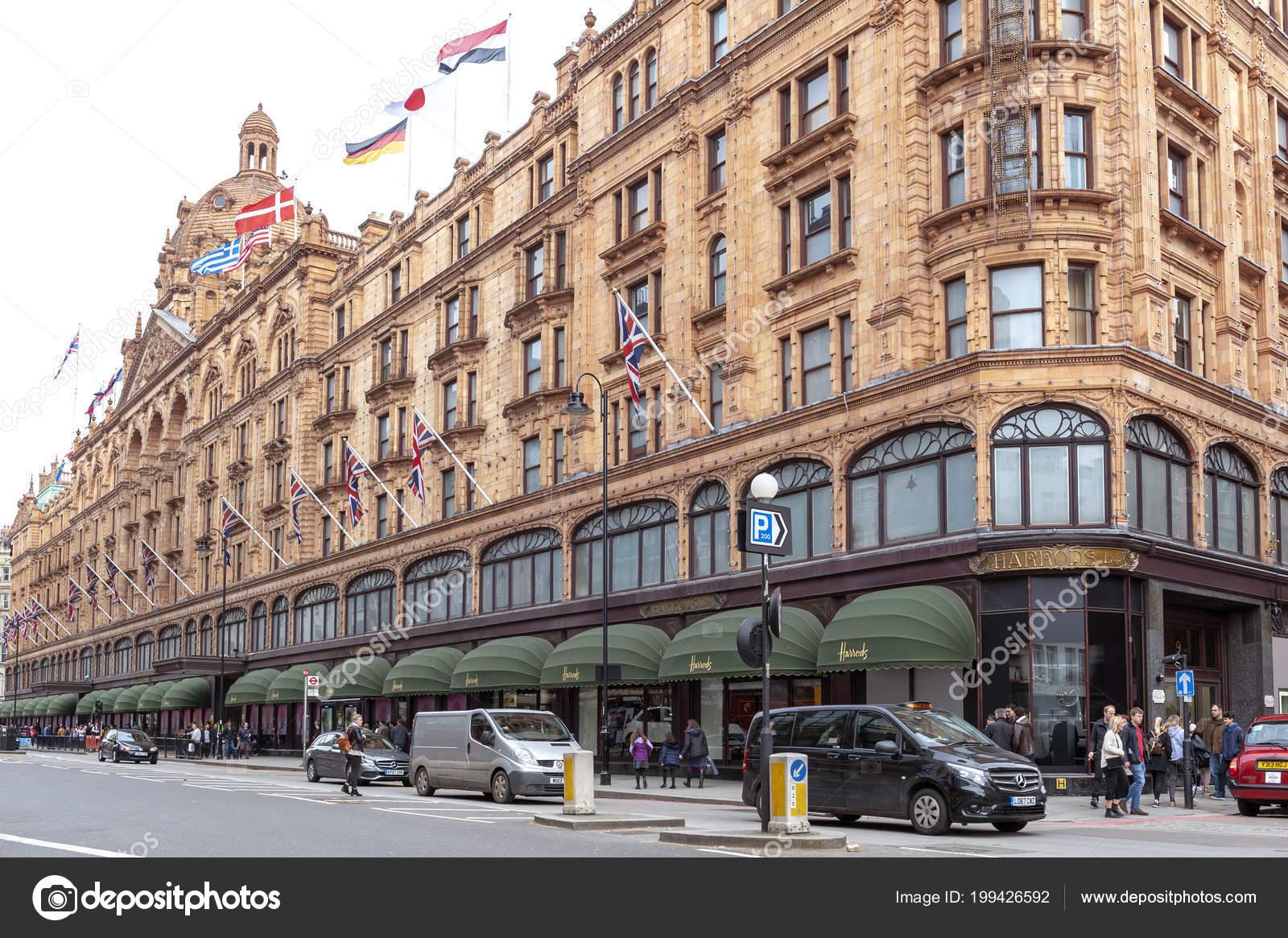9f9ce6deb Londres Reino Unido Abril 2018 Edifício Exterior Harrods Loja ...
