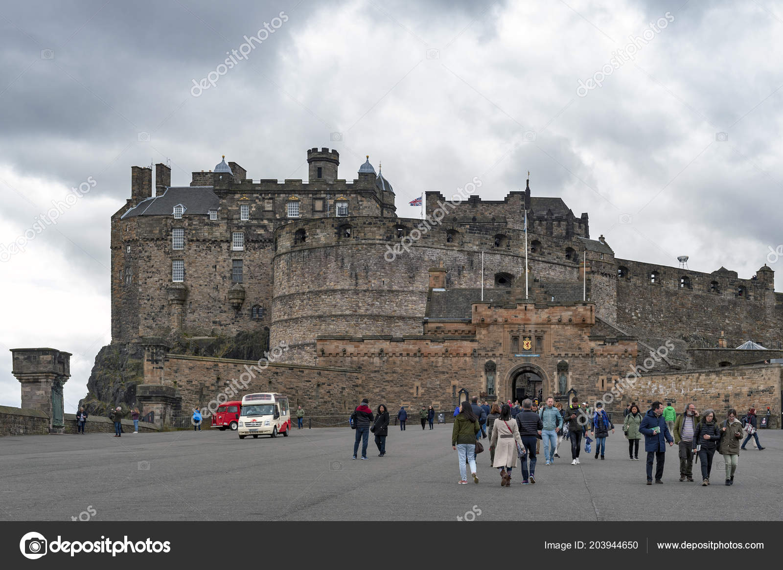 Edinburgh Schottland April 2018 Touristen Fuß Auf Der