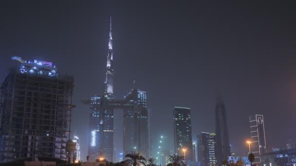 Panoráma noční Dubaj a mrakodrapy. Centrum města